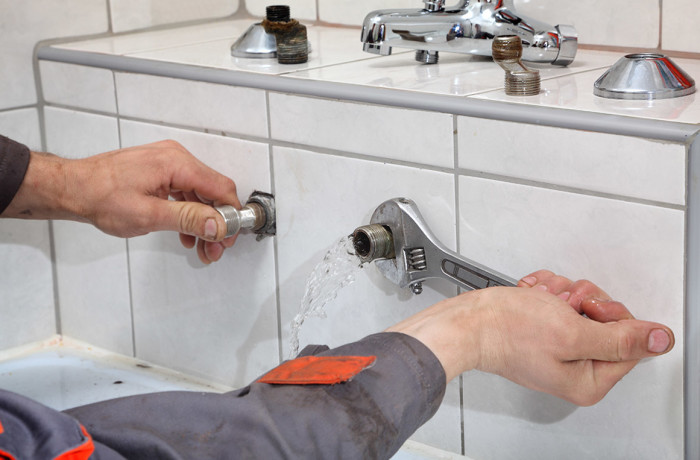 ONE HOUR PLUMBING HELPS LOCATE AND REPAIR LEAKS BEFORE YOUR PIPES BURST