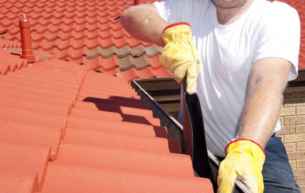 GUTTERS, DOWN PIPES AND ROOF REPAIRS BY ONE HOUR PLUMBING
